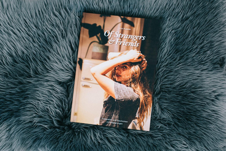 """Cover photograph of my photobook """"Of Strangers & Friends - Fotografien und Geschichten von Begegnungen"""""""